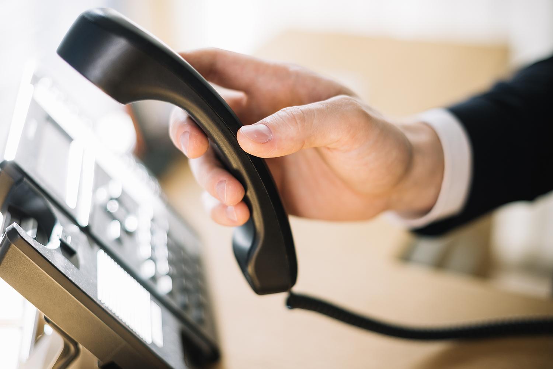 Como reduzir a conta de telefone da empresa
